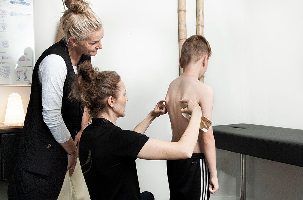 Kiropraktisk behandling for skolebørn