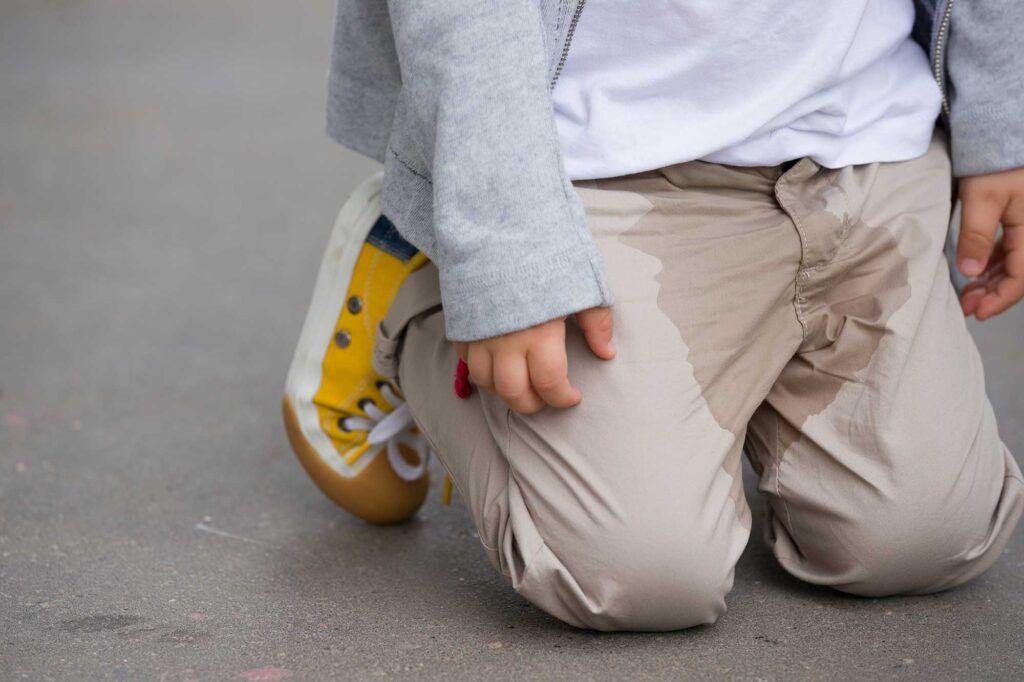 ufrivillig vandladning hos store børn
